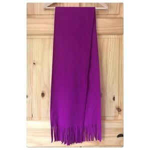 🆓Old Navy electric purple fleece fringe scarf NEW